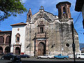 Patzcuaro-church.jpg