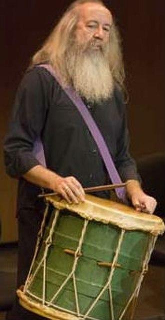 Tenor drum - Early music tenor drum player