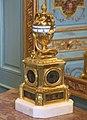 Pendule à cadran tournant (Louvre, OA 10543).jpg