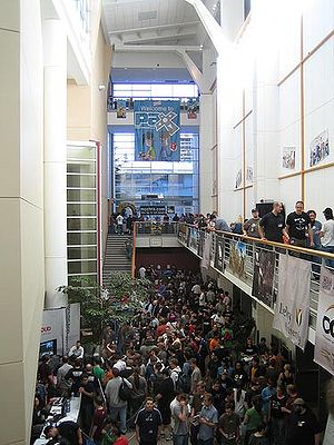 History of PAX - PAX attendees crowding the lobby of Bellevue's Meydenbauer Center