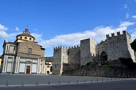 Piazza delle Carceri - Prato.jpg