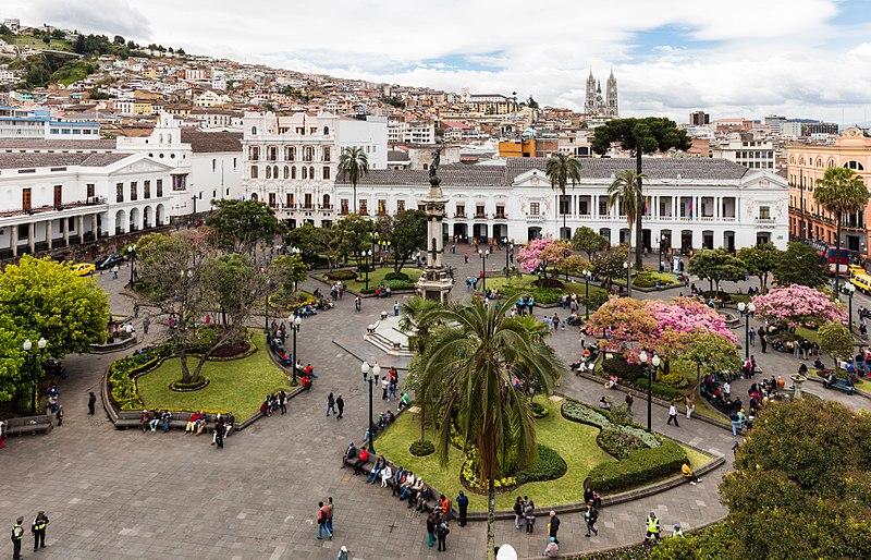 Soubor:Plaza Grande, Quito, Ecuador, 2015-07-22, DD 86.JPG