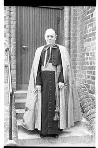 Prälat Ernst Kintzinger (Kiel 38.978).jpg