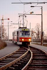 Praha, Troja, tramvaj na splítce.jpg