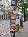 Praha, nám. I. P. Pavlova, cedule zrušené zastávky v Ječné.JPG