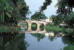 Ponte Yayabo sobre o rio Yayabo