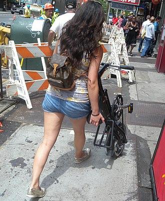 """Strida - The folded bike - a """"wheeled walking stick"""""""