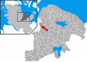 Location of Raisdorf within the district of Plön