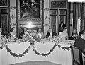 Regeringsdiner in de Trêveszaal aangeboden door de ministerraad v.l.n.r. mevrou, Bestanddeelnr 910-3837.jpg