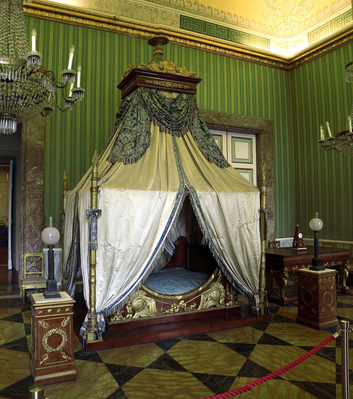Stile impero arredamento wikipedia for Camera da letto vittoriana buia