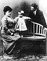 Ricardo Carballo Calero cos pais.jpg