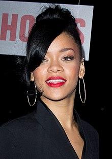 je Rihanna stále datovania Drake 2015