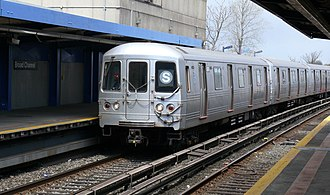 S (New York City Subway service) - Rockaway Park Shuttle at Broad Channel