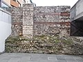 Roman Baths, forced wall in Flórián Square underpass, 2016 Budapest.jpg