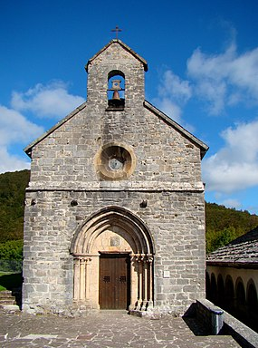 Roncesvalles-Collegiate-Church-2010.jpg
