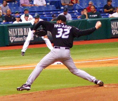 Roy Halladay pitches wp