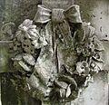 SSJ- Decoración funeraria, corona de flores (23737265202).jpg