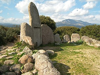 Giants' grave in Dorgali (Bronze Age). Sa ena e thomes 2.jpg