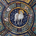San vitale, ravenna, int., presbiterio, mosaici volta e arcone 10 agnello mistico 2.jpg