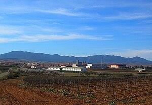 Sierra de Algairén - The Sierra de Algairén behind Cariñena