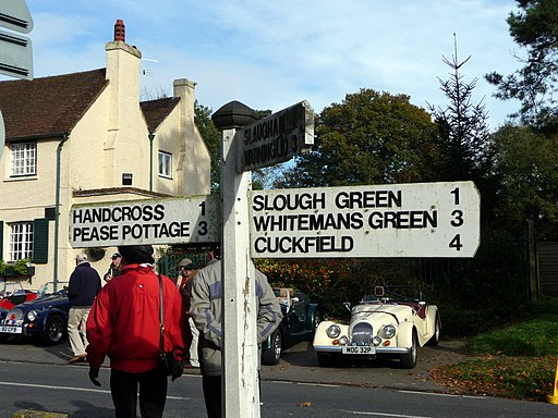Signpost, Staplefield, East Sussex - geograph.org.uk - 2160117