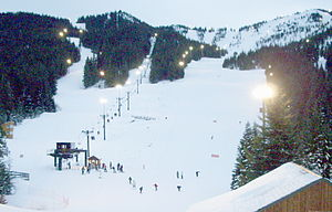 Mount Hood Skibowl - Image: Ski bowl from main lodge P1430