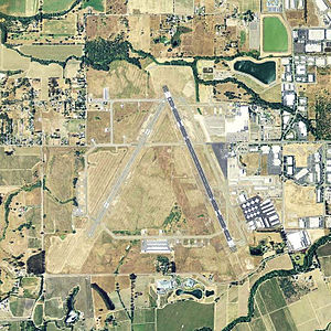 Charles M. Schulz–Sonoma County Airport - USGS 2006 orthophoto