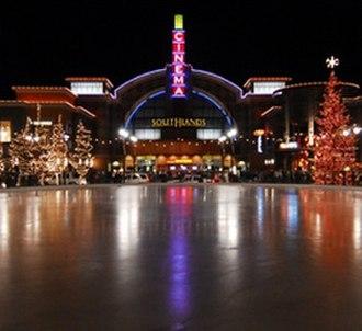 Southlands (Aurora, Colorado) - Ice rink at main plaza