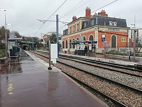 Image illustrative de l'article Gare de Suresnes-Longchamp