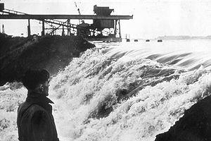 North Sea flood of 1953 - A breach at Erith after the 1953 flood