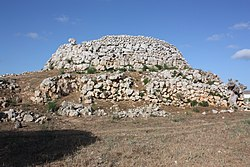 Talayot de Trebalúger, Menorca.jpg