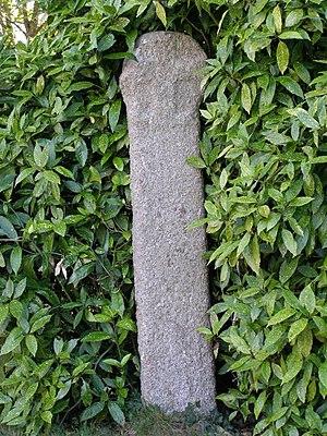 Ludgvan - The tall Cornish cross in the churchyard