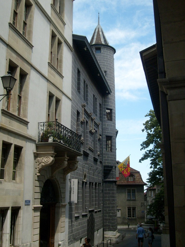 Tavel House