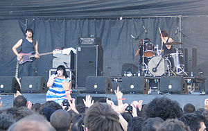 Gossip (band) - Gossip in Portugal, 2007.  L-R: Brace Paine, Beth Ditto and Hannah Blilie.