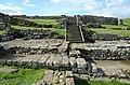 The Commanding officer's house (praetorium), Housesteads Roman Fort (Vercovicium) (43848597614).jpg