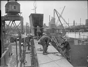 Hessle - Workers shipbuilding in Hessle for the Royal Navy during the Second World War