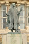 Thomas Edwards Statue.jpg