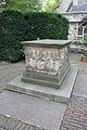 Tomb of John Tradescant and His Family in St Mary's Churchyard 1.jpg