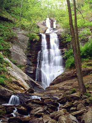 Toms creek falls.jpg