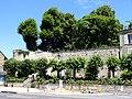 Trie-Château (60), mur d'enceinte au nord-ouest du château 2.jpg