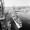 USS Rentz being built.jpg