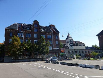 Sådan kommer du til Valby Kulturhus med offentlig transport – Om stedet
