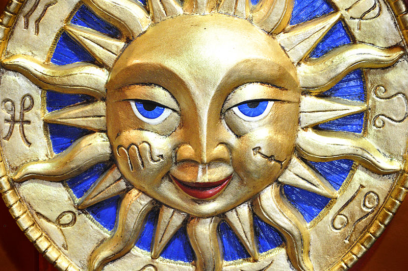 File:Venetian Carnival Mask - Maschera di Carnevale - Venice Italy - Creative Commons by gnuckx (4821060456).jpg