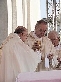 Vescovo Tommaso Caputo.jpg