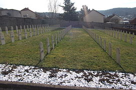 Vesoul Tombes musulmanes du cimetière militaire de Navenne 2.jpg