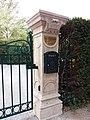 Vichy - Boulevard des États-Unis - Chalet de Clermont-Tonnerre, pilier.jpg