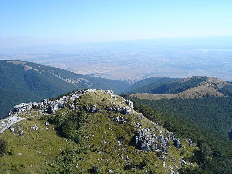balkan harbi şipka geçidi 800px-View_from_Shipka