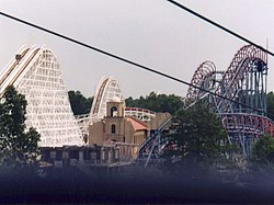 Viper (Six Flags Great Adventure).jpg