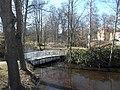 Vit bro över Lillån i Sala 3194.jpg