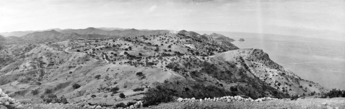 Vouni. Utsikt mot Petra. Galini - SMVK - C06078.tif
